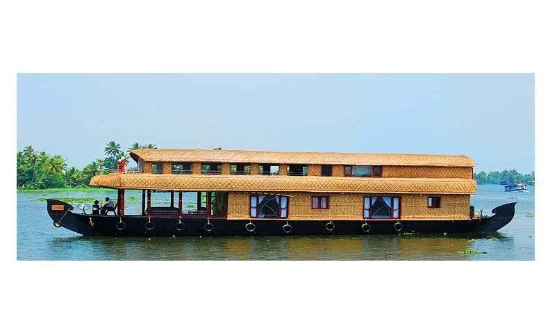 Six Bedroom Houseboat for Rent in Alappuzha