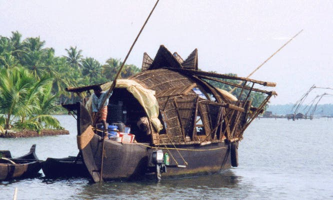 Punting Houseboat for Rent in Alappuzha