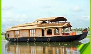 Houseboat Honeymoon Tour in Alappuzha, India