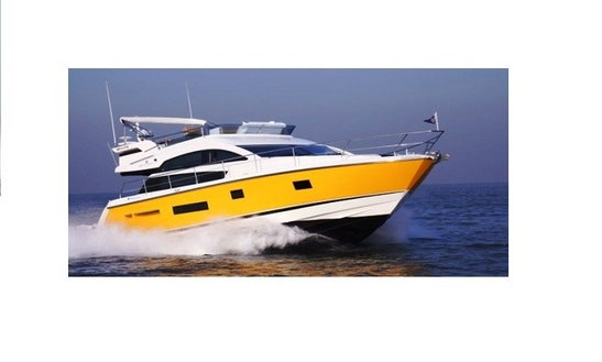 Charter On Motor Yacht Ciao Bella In Dona Paula