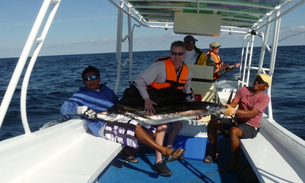 Deep sea fishing boat in isla mujeres getmyboat for Isla mujeres fishing