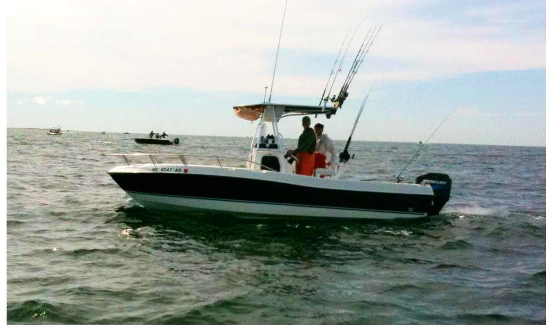 20ft Triton Center Console Fishing Boat Charter in Plymouth, Massachusetts