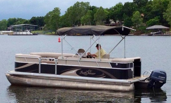 25' Pontoon Charter In Afton, Oklahoma