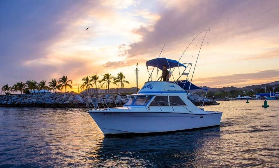 28' Uniflite Sportfishing Yacht in Puerto Vallarta, Mexico