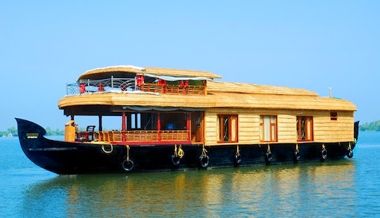 Luxury Houseboat With 3 Bedroom Ready To Rent In Alappuzha, Kerala