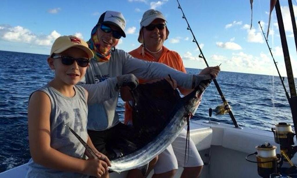 Fishing charter on 38ft fin razer sport in key largo for Key largo fishing charters