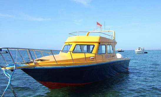 Charter A 6 Person Motor Yacht In Bali, Indonesia For Your Next Adventure