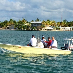 Fishing charter on 18 39 hewes redfisher boat in marathon for Florida fishing license phone number