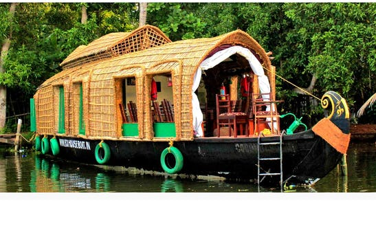 Houseboat Charter In Alappuzha