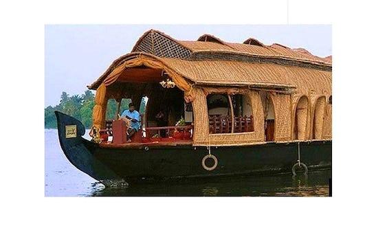 2 Bedroom Houseboat In Alappuzha