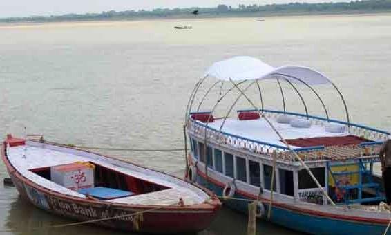 Explore Varanasi, India on this Bowrider Boat!