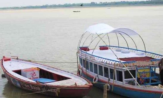 Motor Yacht Rental In Varanasi
