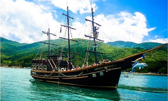 78' Sailing Pirate Boat In Florianópolis
