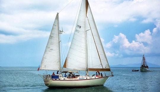 44' Sailing Yacht Charter In Ko Samui
