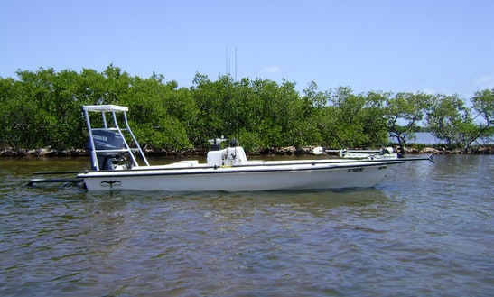 Manowar 18' Center Console Fishing Charter In Okeechobee, Florida