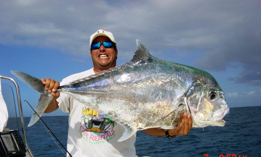 Enjoy 22 ft center console fishing charter in vieques for Puerto rico fishing