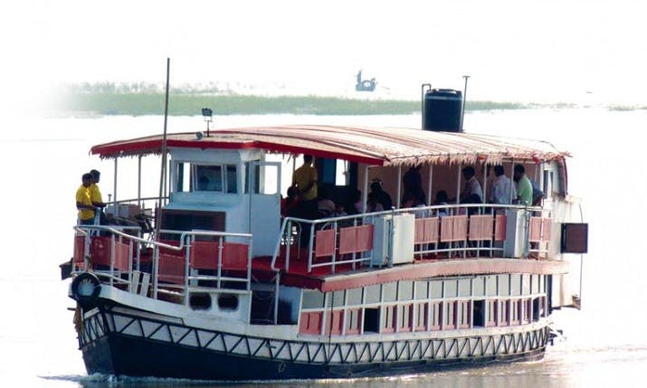 Take a boat trip and Tour in Guwahati
