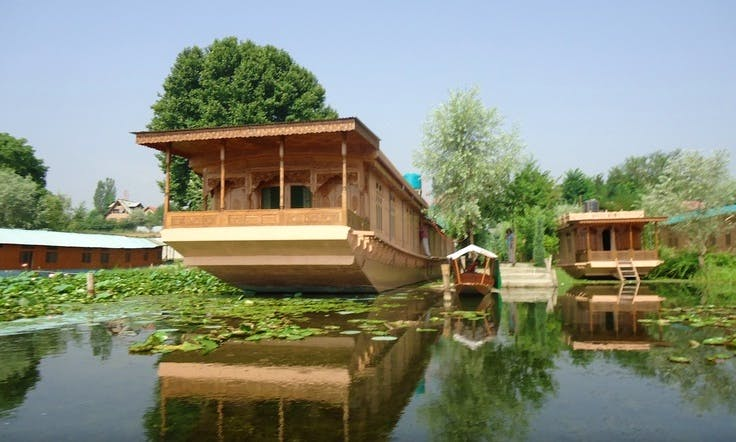 Kashmir Valley (Houseboat)