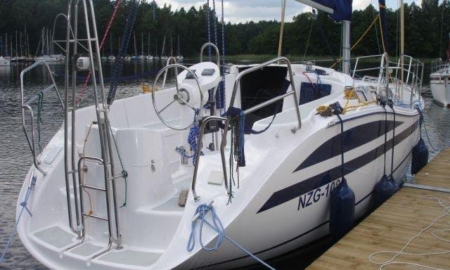 32' Sailing Yacht In Wilkasy