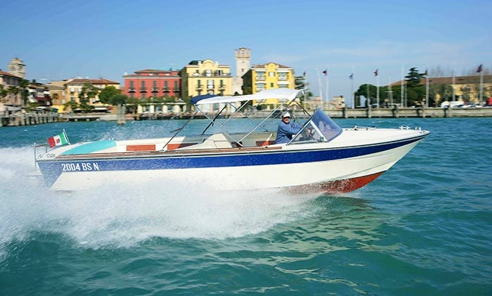 """Charter the 28ft """"Magic"""" Power Boat in Sirmione, Italy"""