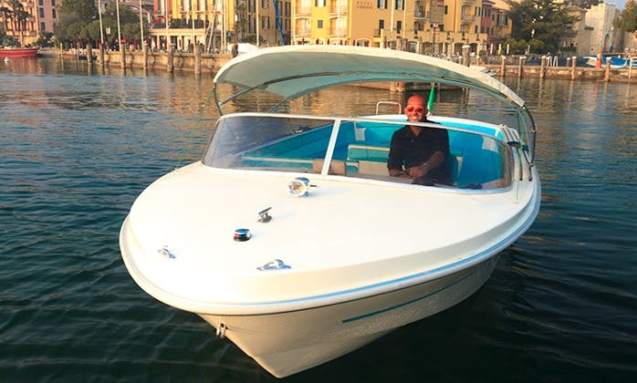 """Charter the 28ft """"Ghibli"""" Motor Boat in Sirmione, Italy"""