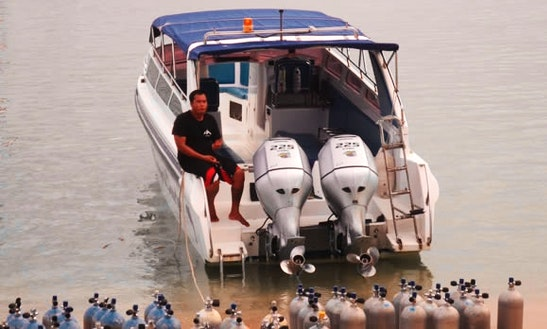 Exciting Boat Diving And Snorkeling Trips In Muang Pattaya, Thailand
