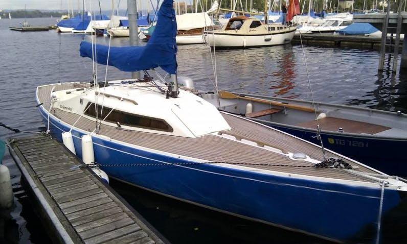 Rent H-Boat - 5 Passenger Boat on Lake Zurich