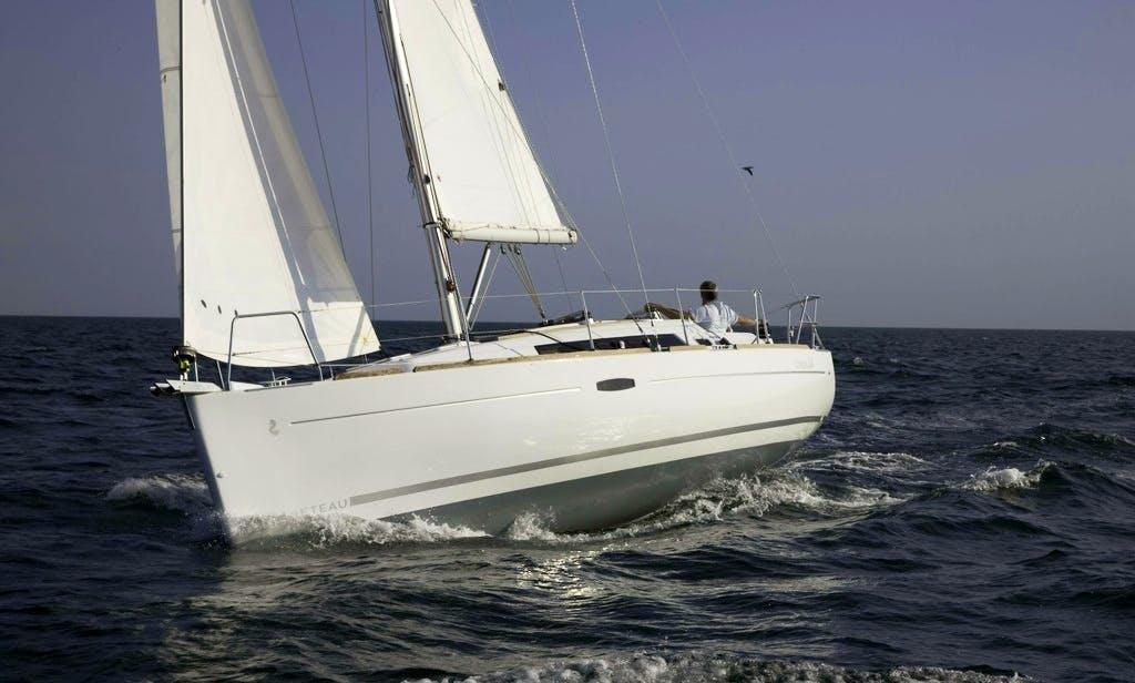 "Charter ""Hanabi"" Oceanis 34 Yacht In Can Pastilla"