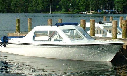 Hire Cabin Cruiser In Keswick