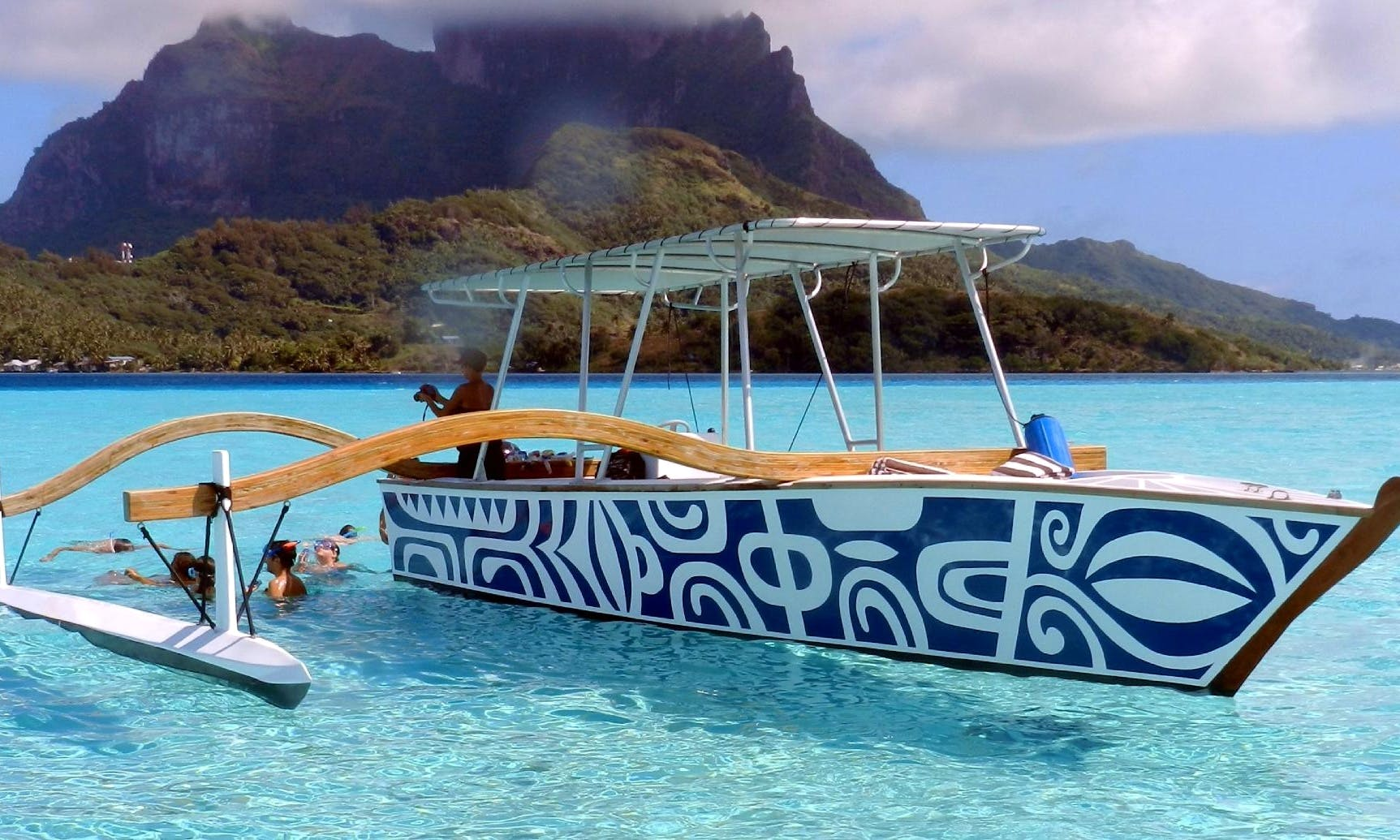 Book an Island Tours in Îles Sous-le-Vent, French Polynesia on a Center Console