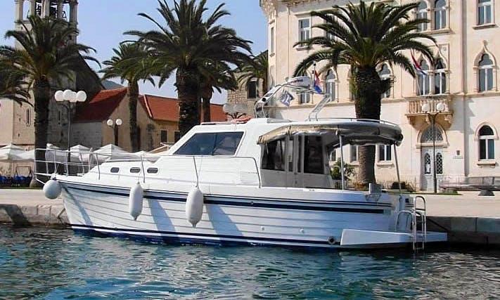 """Book this 7 Person """"Ante"""" Adria 1002V Motor Yacht Charter in Bibinje, Croatia"""