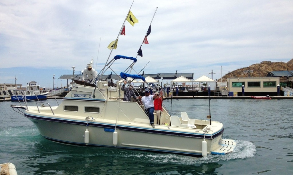 28 39 fishing charter in cabo san lucas mexico getmyboat for Cabo san lucas fishing charters