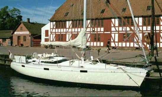 'nyborg' Beneteau 430 Charter In Rungsted Kyst