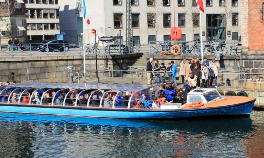 Closed Canal Boat Tours & Rental in København