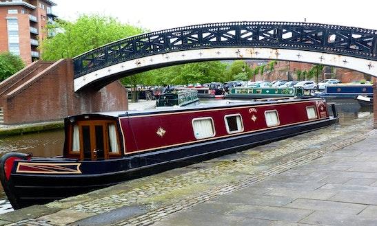 Houseboat Rental In Stoke Prior / Narrowboat D4