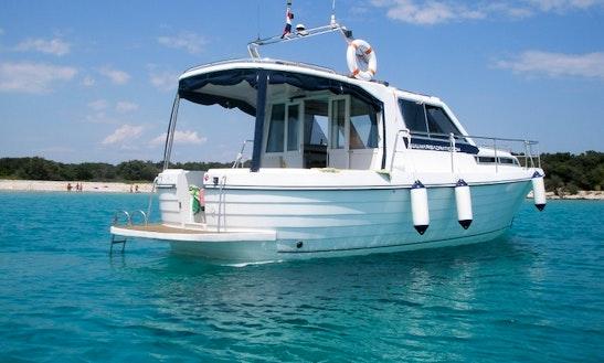 Charter 35' Motor Yacht In Labin, Croatia
