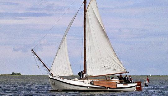 Traditional Yacht Charter - Monnickendam