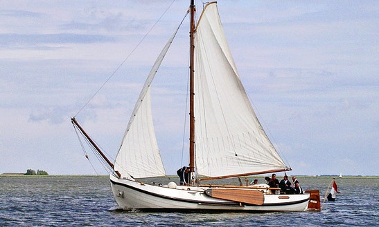 Traditional Yacht Charter - Monnickendam