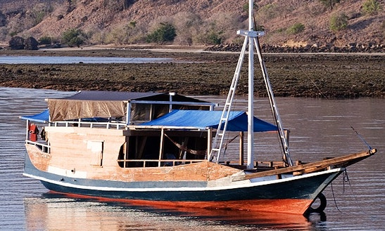 Komodo Rinca Adventure Tour Boat In Bali