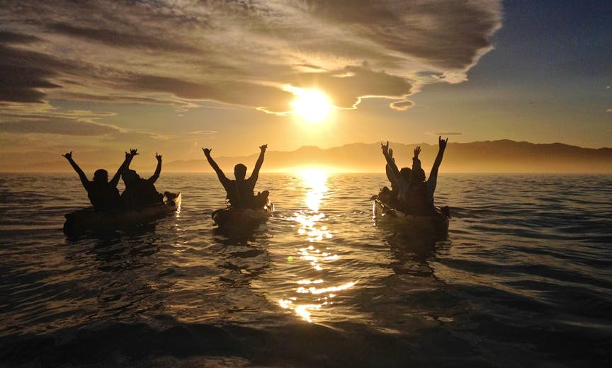Sunset Kayak Tour In Kaikoura