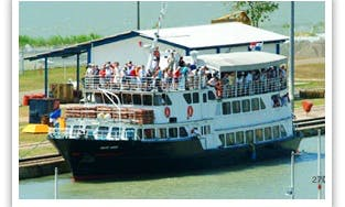 119' Passenger Boat Charter in San Francisco, Panama