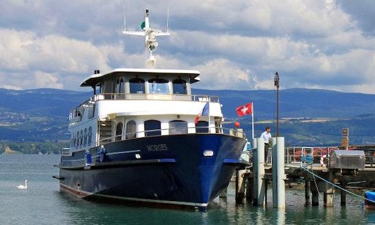 Motor Yacht Rental In Hung Vuong