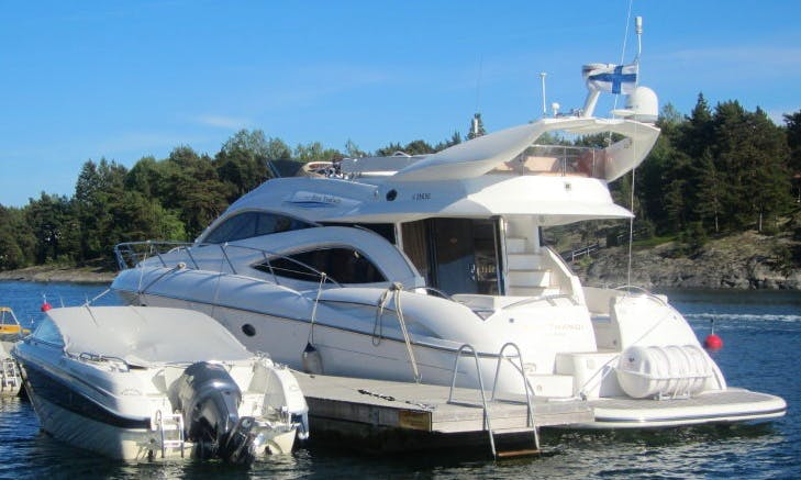 Sunseeker Manahattan 56 Charter for 10 People with Captain in Mellieħa, Malta