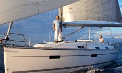 Charter Bavaria 36 Cruiser Sailboat in Lisbon