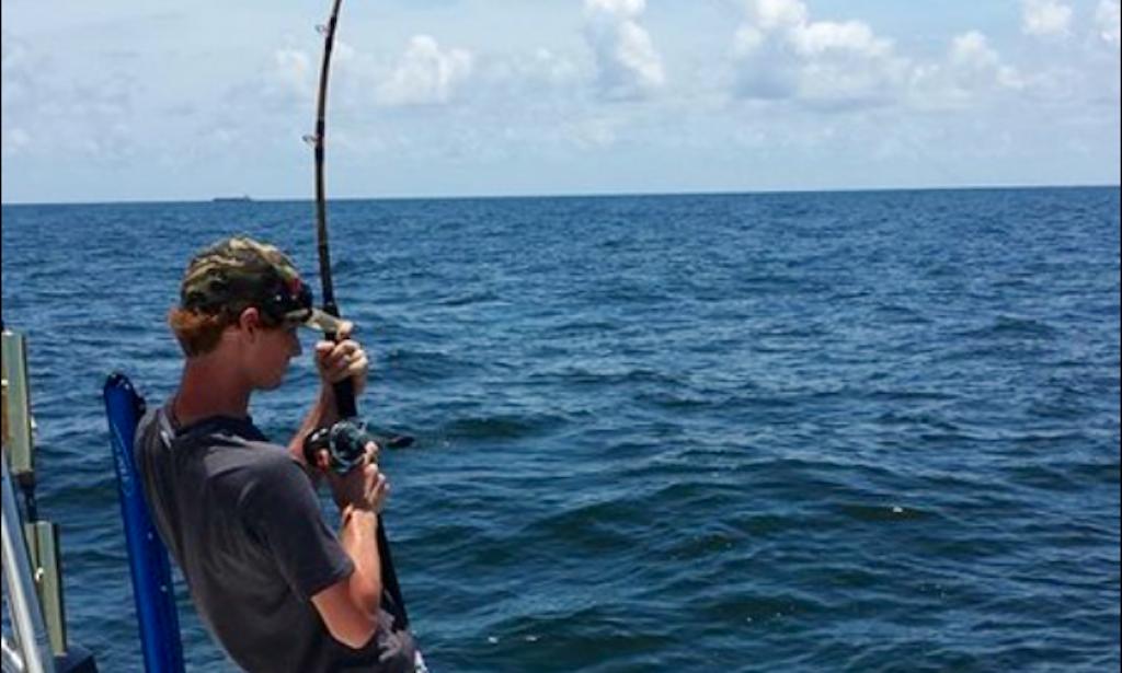 Center console fishing trips in cedar key florida getmyboat for Fishing trips in florida