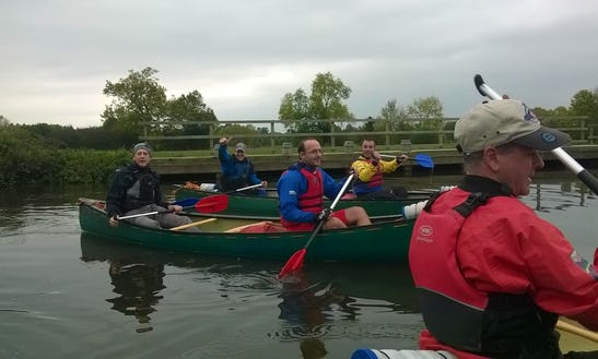 Explore Unfamiliar Places In Yalding, United Kingdom On A Canoe With Friends!