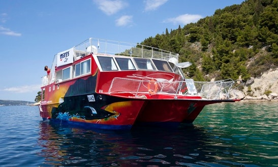 'maves' Catamaran Diving Trips & Courses In Komiža