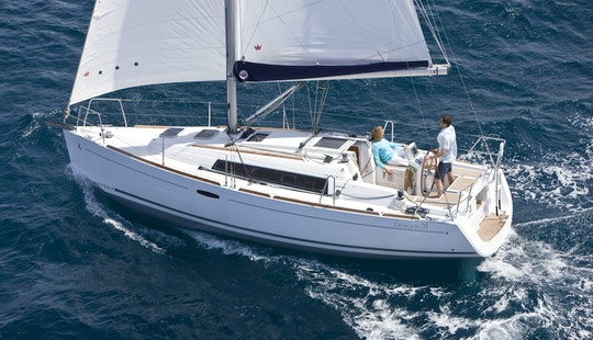 Oceanis-31 Sailing Monohull Charter In Arzon
