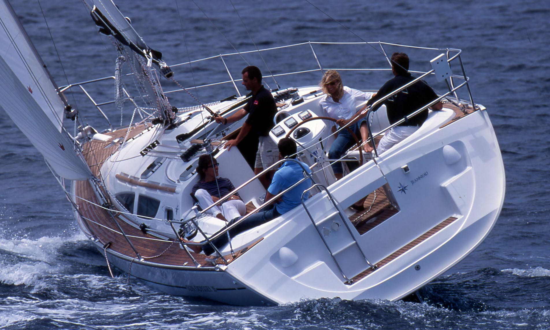 Sun Odyssey 35-DL Sailing Monohull Charter in Arzon, France