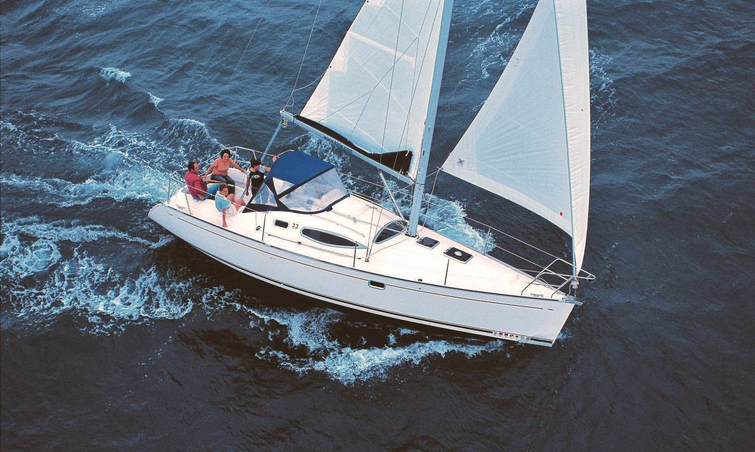 Feeling 32 DI Sailing Monohull Charter in Arzon, France